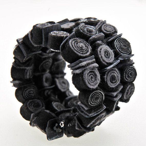 Black bracelet/Wrap bracelet/Adjustable bracelet/Felt bracelet/Bracelet cuff/Felt jewelry/Handmade bracelet with felt spirals/Gifts for her  ► BEFORE