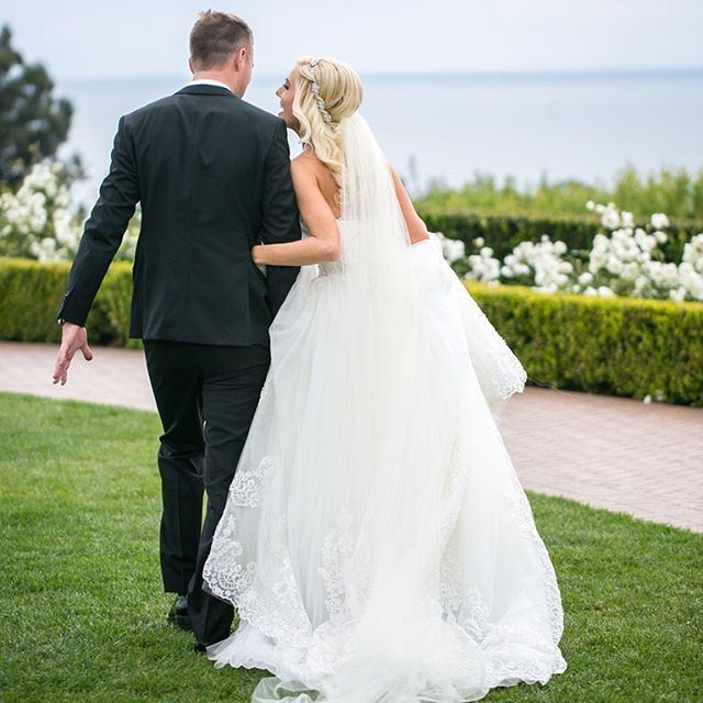 Kelsey and Drew's elegant yet casual wedding celebrations epitomized Newport Beach style and caught the eye of @brides! Check the link in our bio for every memorable detail. #PelicanHillWedding #EveryDayIsAWeddingDay