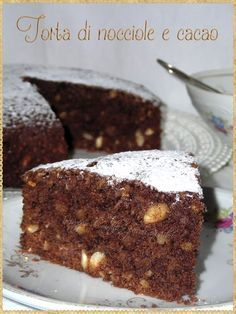 Torta di nocciole e cacao (Hazelnut cake and cocoa)