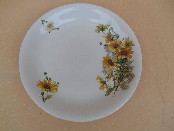 24,11 € Boch Freres la Louviere Made in België plaat  Plaat is in goede staat, met een mooie bloem patroon ontwerp. Het zou er geweldig als een muur opknoping of het zou iemands eettafel complimenteren.  Afmetingen: 28 cm -