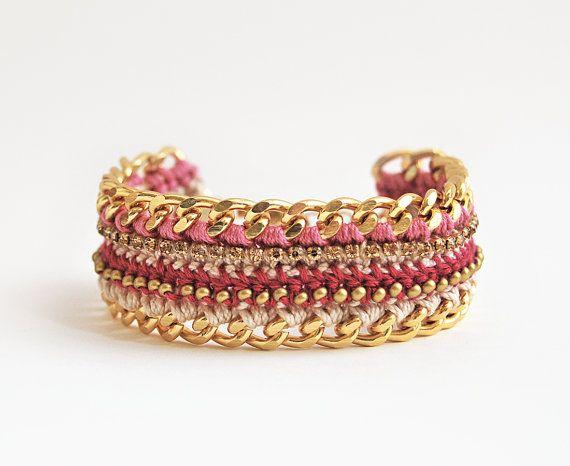 Pink crochet bracelet chunky chain bracelet with by LeiniJewelry #pink #bracelet