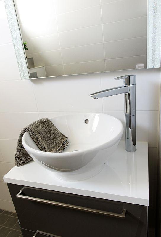 Faucet: Oras Cubista wash basin faucet