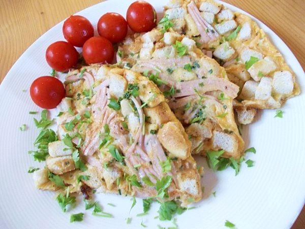 Recept na Rohlíková omeleta s uzeninou