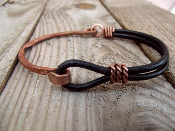 Copper and leather bracelet for man, leather-metal bracelet for men, black leather men cuff, rustic bracelet for men in copper and leather.