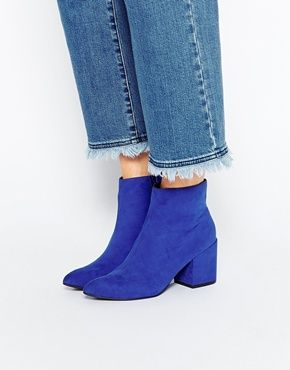 You can do anything but lay off of my Blue suede shoes.