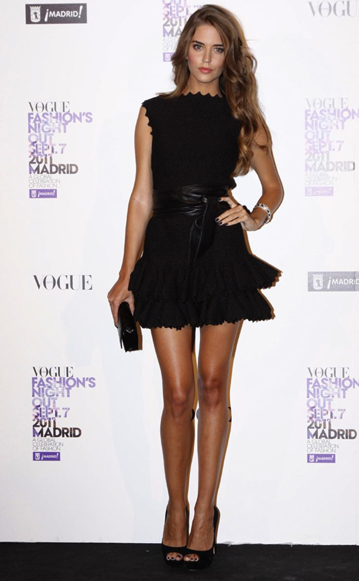 Clara Alonso- Azzedine #Alaia #LBD, clutch and peeptoes