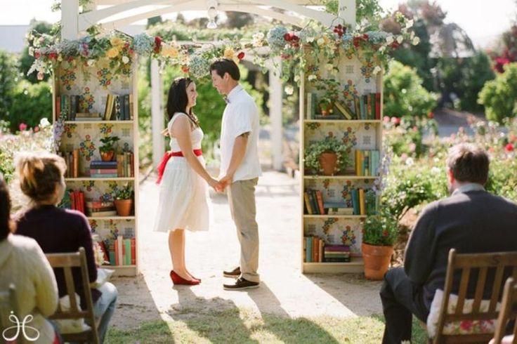 Ini Tema Pernikahan yang Cocok untuk si Kutu Buku