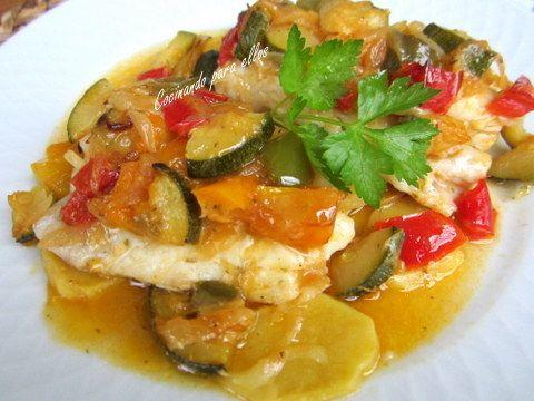 Cocinando para ellos : PESCADILLA EN SALSA DE VERDURAS