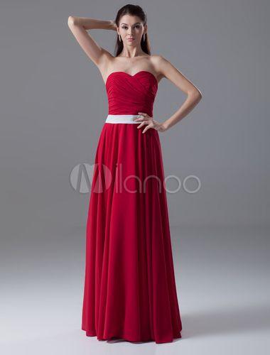 Robe merveilleuse de soirée rouge fourreau effet encolure coeur avec ceinture