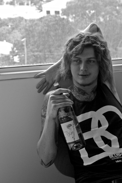 I don't even really listen to Asking Alexandria but this dude is gorgeous a'f ;)