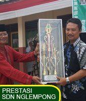 Piala SD N Nglempong