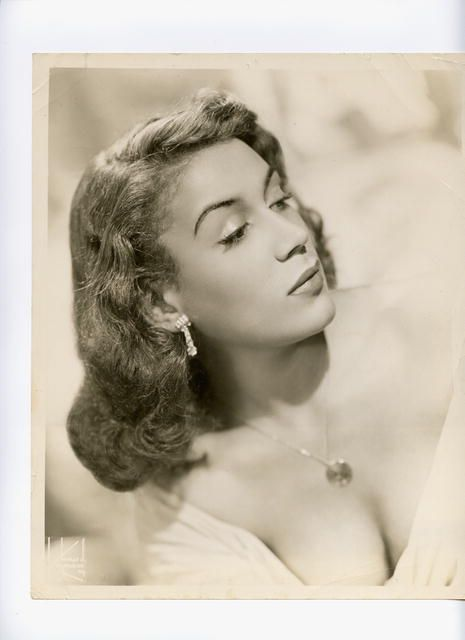 Actress Pat Rainey....This website is called Ladies of Harlen and it highlight a lot of African American ladies of that era.