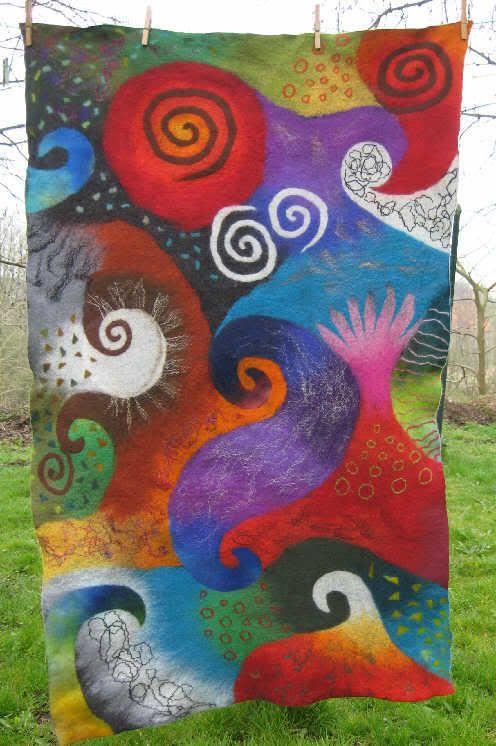 Very colourful swirl patterned piece of wet-felt wall hanging   Was für ein Erlebnis!!! - anaj - myblog.de