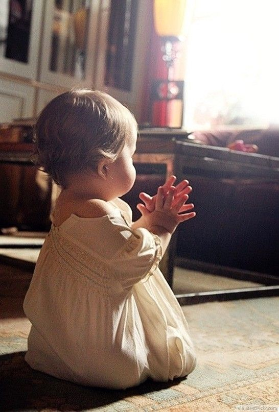 Sweet Pictures of Children Praying | Time for the Holidays
