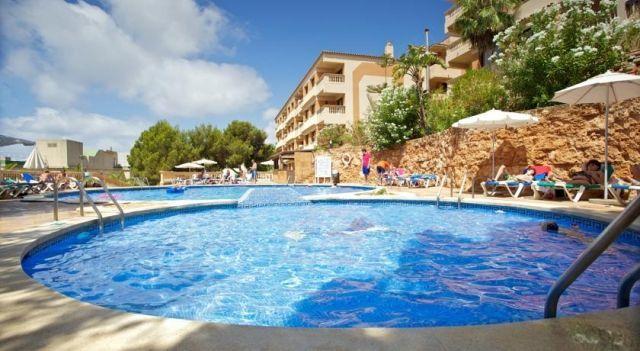 Seramar Apartamentos Sunna Park - 3 Star #Apartments - $77 - #Hotels #Spain #Paguera http://www.justigo.in/hotels/spain/paguera/apartamentos-sunna-park_11919.html