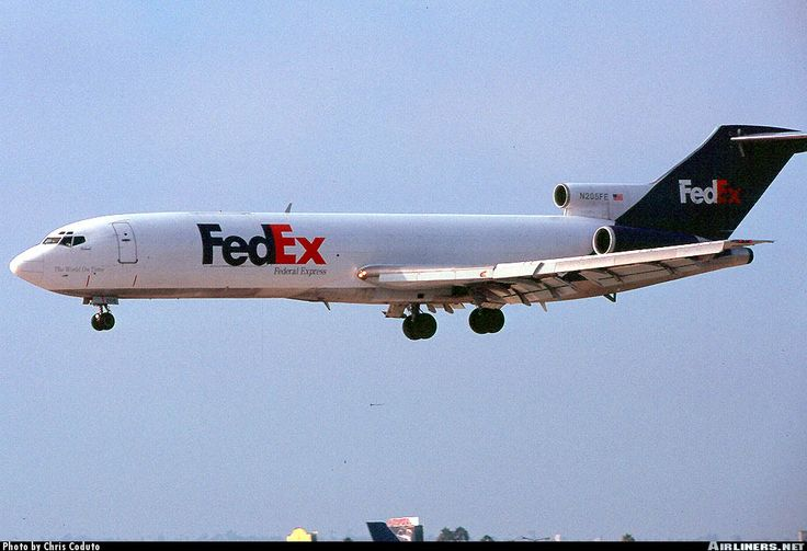 Boeing 727-2S2F/Adv(RE) Super 27, Federal Express FedEx, N205FE, cn 22927/1821, first flight 5.8.1983, FedEx delivered 1.9.1983. Foto: Los Angeles, United States, 29.6.2000.