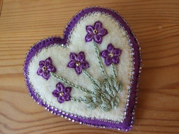 Pretty Hand Embroidered Heart Brooch with door sweetheartsandroses
