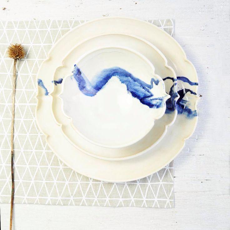 ensemble de vaisselle en céramique de 3 Arabesque géométrique avec le grès de coups de pinceau de montagne assiettes par OneClayBead sur Etsy https://www.etsy.com/fr/listing/205995149/ensemble-de-vaisselle-en-ceramique-de-3