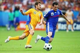 Romania 0 France 0 in 2008 in Zurich. Willy Sagnol goes past Sidney Govou in Group C at Euro 2008.