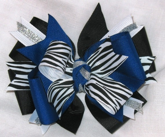 Custom Made Spirit Hair Bow--In Your Teams Colors. $7.50, via Etsy.: Cute Bows, Teams Colors, Jitterbug Bows, Maddy S Closet, Hair Bows, Bow Ideas, Hair Bow In, School Spirit