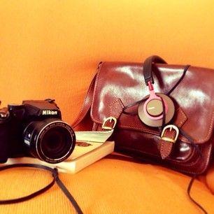 borsa - borsa di pelle - macchina fotografica