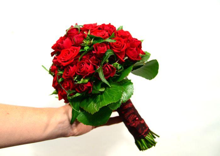 brautstrauß in rot / red bridal bouquet