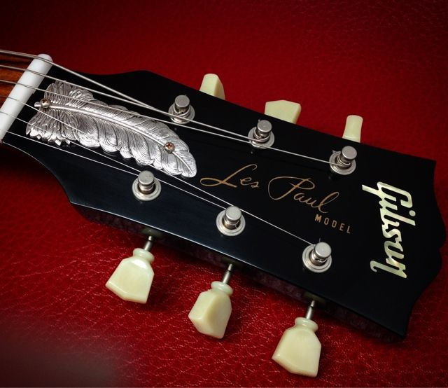 Feather ffr Gibson guitars | Wild but Elegant