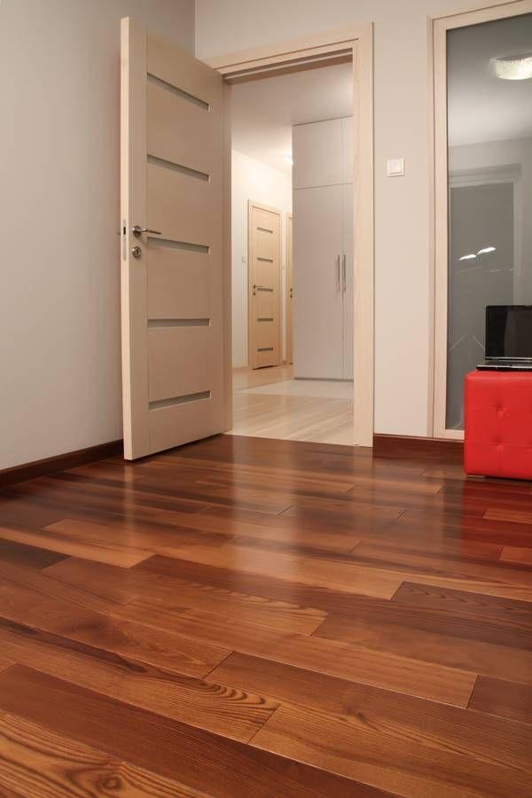 Suelo De Tarima De Fresno En Dormitorio Pisos Para Casas Modernas Pisos Color Madera Pisos