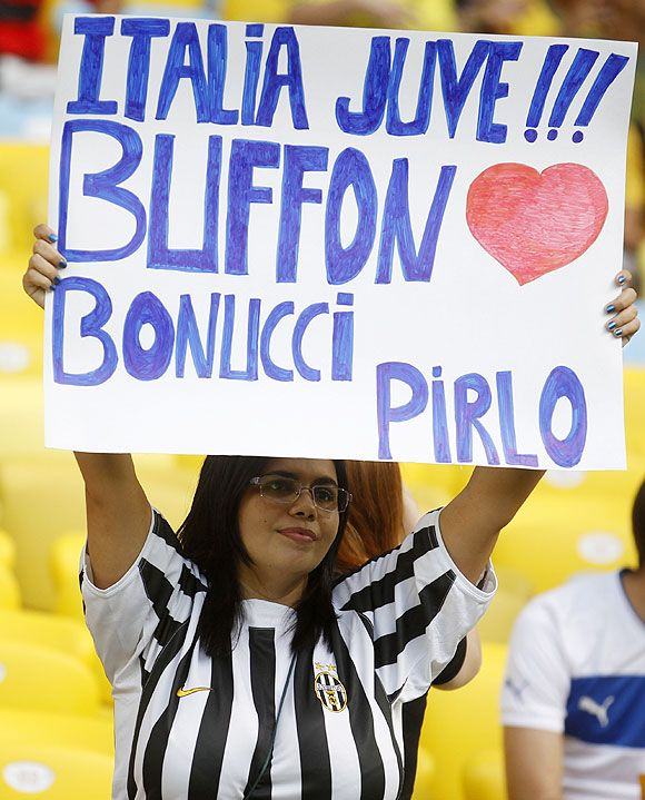 Juventus fan showing support for their Italian team players. No wonder Juve was really good. This at the 2013 Confederations Cup in Brazil.