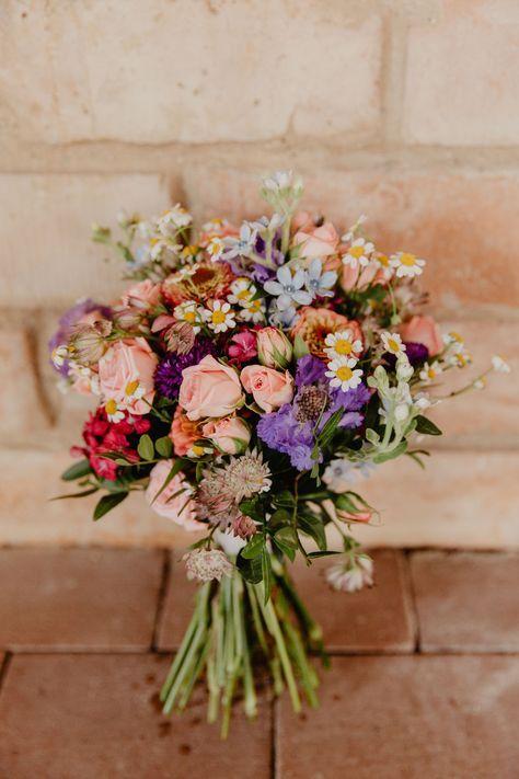 Ramo de la boda de verano de flores del prado Ramo de novia vintage