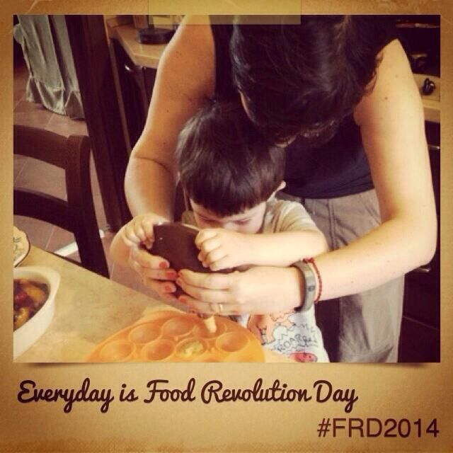 Everyday is Food Revolution Day: Carrot cake pops for mothersday. #frd