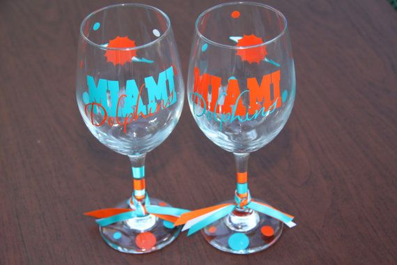 Tennessee Titans 16oz. Stemless Wine Glass