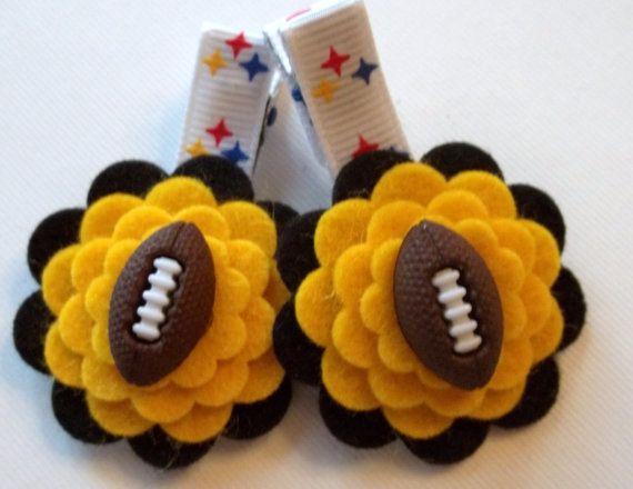 Hair clipsDiy Hair Bows, Football Bow Steelers, Hair Clips, Hairbows Ideas, Steelers Baby, Felt Hairclips, Hair Crafts, Flower Hair, Felt Flowers