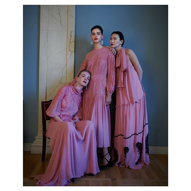 Fall 2018 is here!  #costarellos #fw18 #fall2018 #parisfashionweek #pfw #rtw #pink