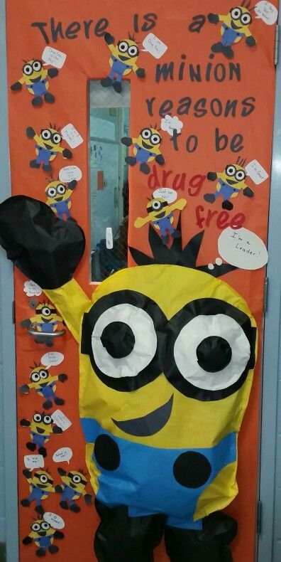 drug free door decor