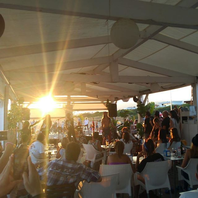 Closing Party Elcapochiringuito Concierto De Bigmouthers Para Despedir La Temporada De Verano De El Capo Chiringuito Eventos Musica Rock Chiringuito Ga
