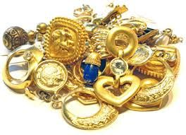 Sell Gold Jewellery, Sell Gold : Methods for Selling Gold Jewellery : Unpredictability in the economic market is encouraging numerous financiers to hoard gold, the most cashable property. For a multitude of people, this is the perfect time to offer gold jewelry that has shed its charm.