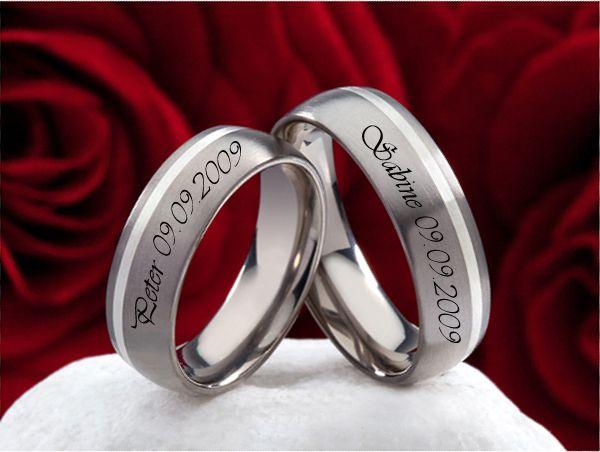 Superb Custom Name u Date Engraved Couple Titanium Wedding Bands