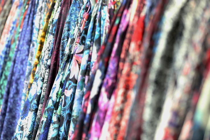 Lo Showroom di Texprint, stamperia digitale su tessuti e capi situata in Prato che stampa con modalità sublimata a transfer su poliestere e reattiva su cotone, lana, seta, viscosa, ecc.  Creiamo la fantasia adatta ad ogni stagione, sempre alla moda e attenti ai particolari.  Nel nostro Showroom già pronte le fantasie e i temi dell' autunno/inverno 15/16 e stiamo iniziando a realizzare per la primavera/estate 2016