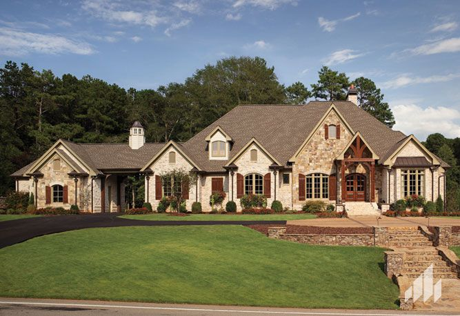 Cherokee brick brick nottingham tudor exterior houses for Beautiful brick and stone homes