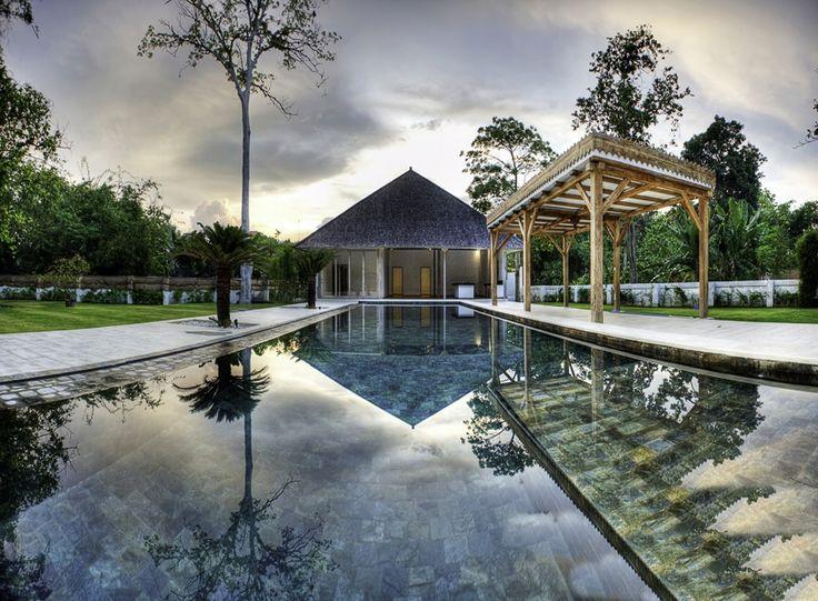 Tropical 7BR Freehold in Kerobokan   https://www.balivillas.asia/properties/tropical-7-bedrooms-freehold-in-kerobokan/