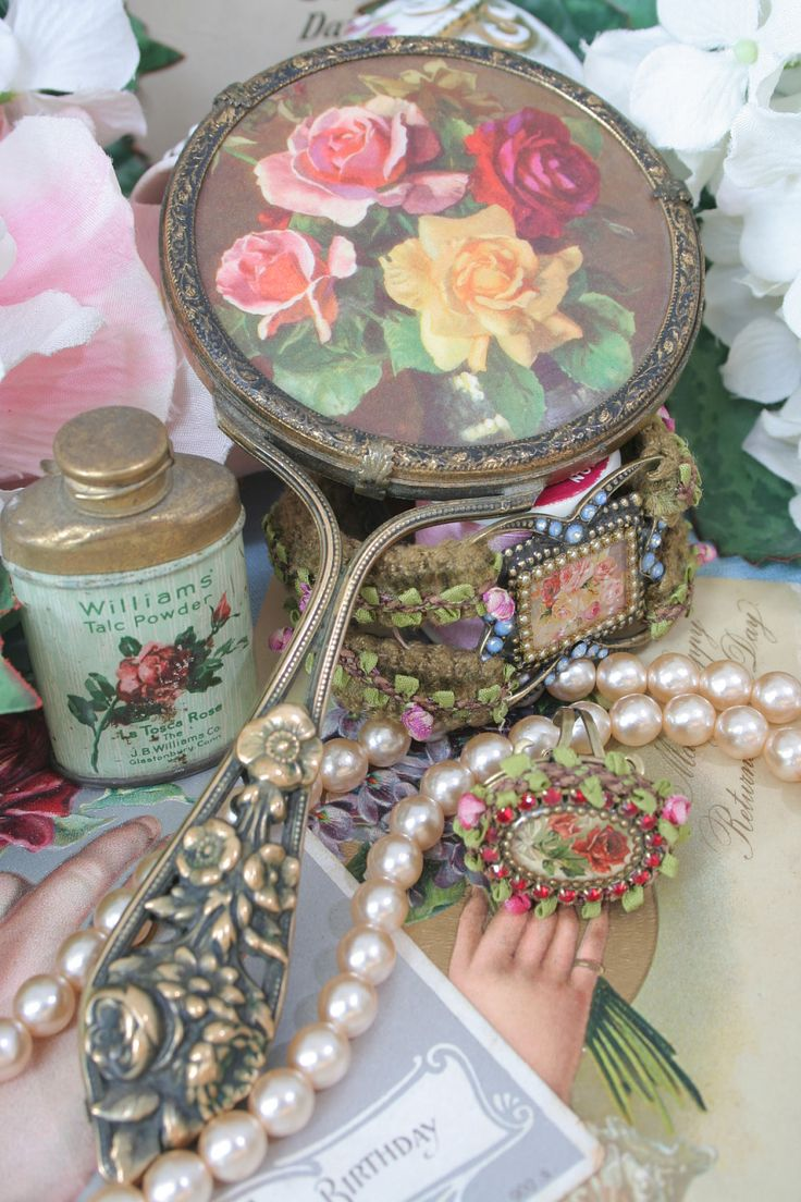 Pretty vintage bits and pieces