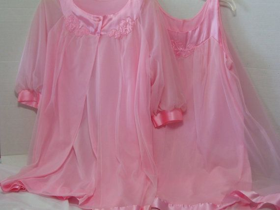 RESERVED for Jodi Ann Warm Pink Peignoir Set Short by cachecastle