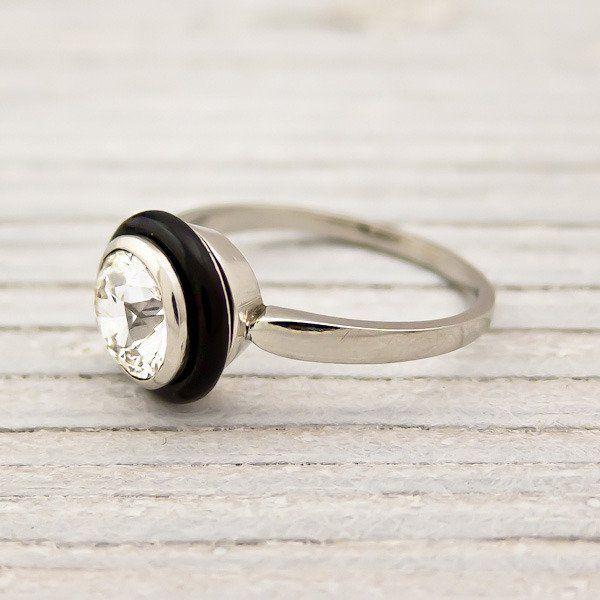 1.10 Carat Vintage Diamond & Onyx Ring.