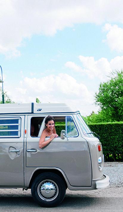 Inspiratie voor jullie trouwvervoer! Mereveld beschikt over een mooie oprit voor de aankomst van alle bruidsgasten. #Mereveld Utrecht in TOP 5 populairste trouwlocaties van Nederland!