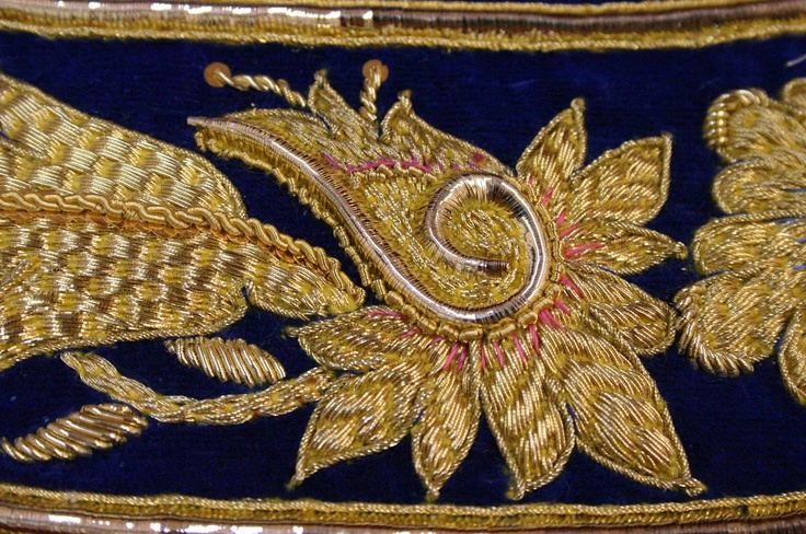 goldwork embroidery - interesting use of plate on that inner swirl