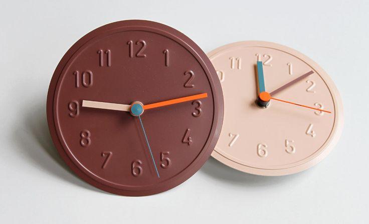 richard-lampert-alu-alu-clock