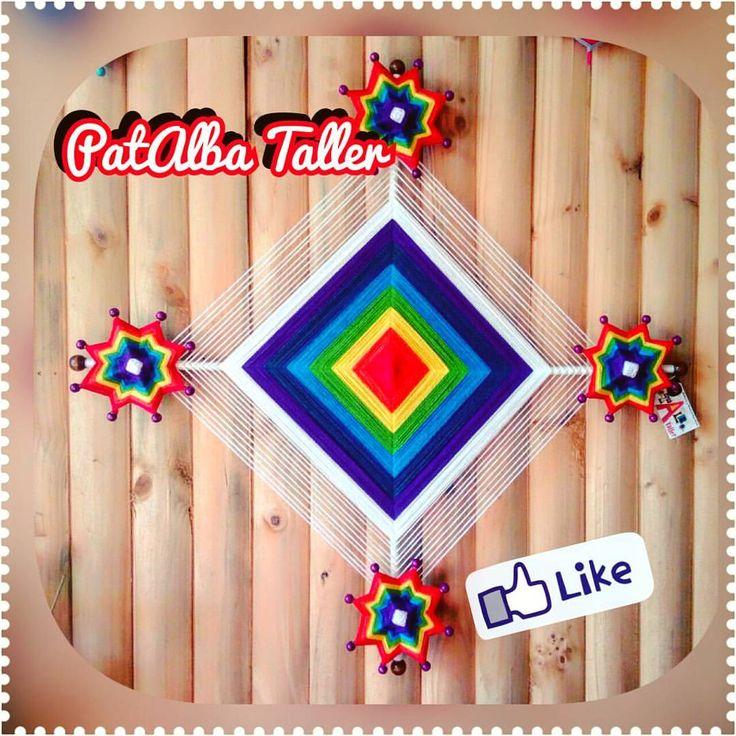 Mi combinación favorita de colores ✨....Mandala 1mt. Ojo de Dios con flores en colores de los chakras. .  #patalbataller #diseñoindependiente #emprendedora #artesana #mandalas #tejidosterapéuticos #energías #armonía #pedidos
