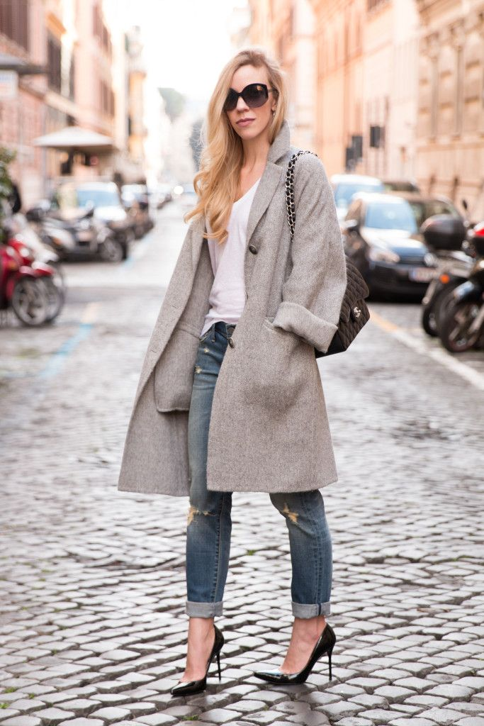 Boy Meets Girl: oversized gray coat with tee and boyfriend jeans, Chanel Jumbo flap bag black with silver, boyfriend jeans with pointy pumps, slouchy gray cocoon coat with distressed denim outfit, how to wear an oversized coat