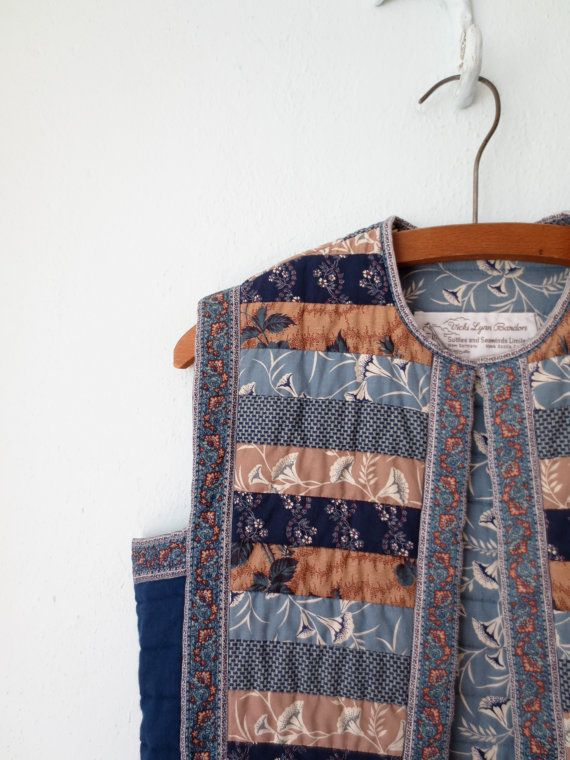 Vintage Quilted Vest // Cropped Folk Vest // by sparvintheieletree